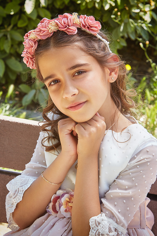 https://www.kidsphotography.es/wp-content/uploads/2021/05/Comunion-Valdespartera-Natalia-2954-©-Kids-Photography.jpg