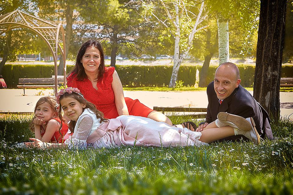 https://www.kidsphotography.es/wp-content/uploads/2021/05/Comunion-Valdespartera-Natalia-3296-©-Kids-Photography.jpg